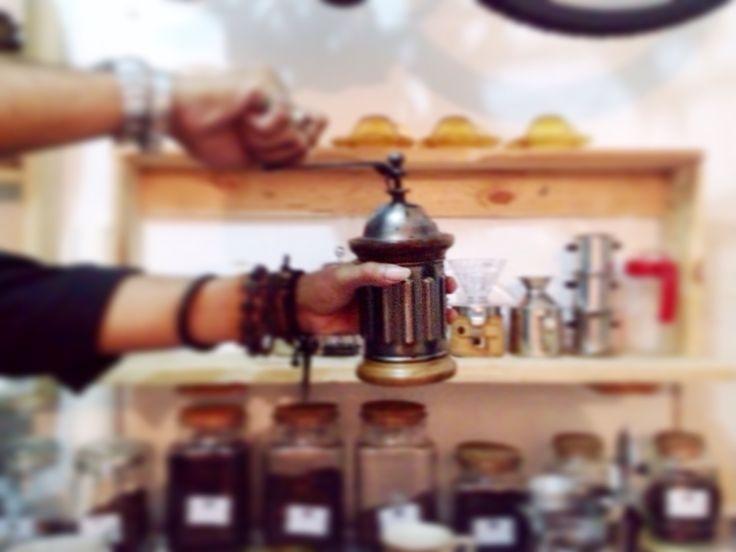 Let's brew! #grinder #handgrinder #manualgrinder #brewer #coffeebrewer