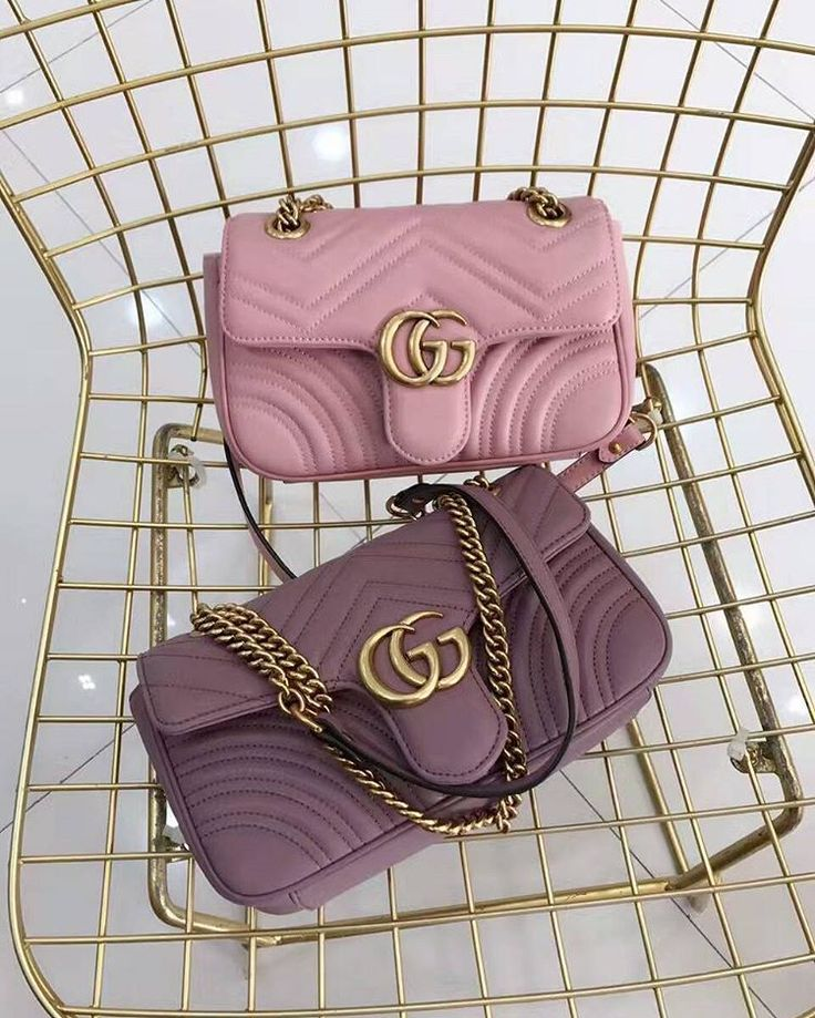 🌿🌸🌿🌸🌿🌸🌿🌸 line ID: bbbags001 not ask p-rice in the comment  wechat: bbbags001 whatsapp:+8618319491729 Facebook:Becky liu email: 546335418@qq.com album  site  http://qzone3541929573.v.yupoo.com/  #ootd  #liketkit #follow4follow  #like4like  #fashionblogger  #fashionblog  #fashionhunter  #fashionaddict  #fashionInsta  #Instafashion  #outfit  #fashionin  #invogue  #fallfashion #wiw #instapost #Instablogger  #photooftheday  #picoftheday #lifestyle #luxeaddict #luxelifestyle #fashionbag…