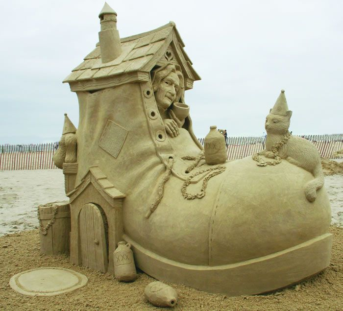 Best Cool Sandcastles Images On Pinterest Alien Photos - The 10 coolest sandcastle competitions in the world
