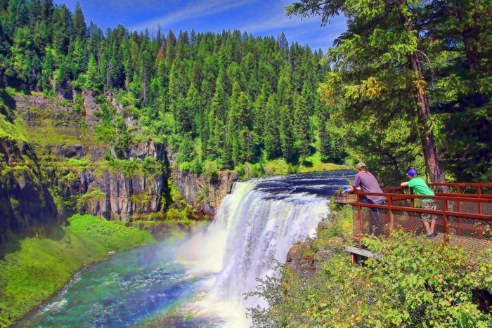 3. Mesa Falls http://www.onlyinyourstate.com/idaho/incredible-natural-attractions-id/