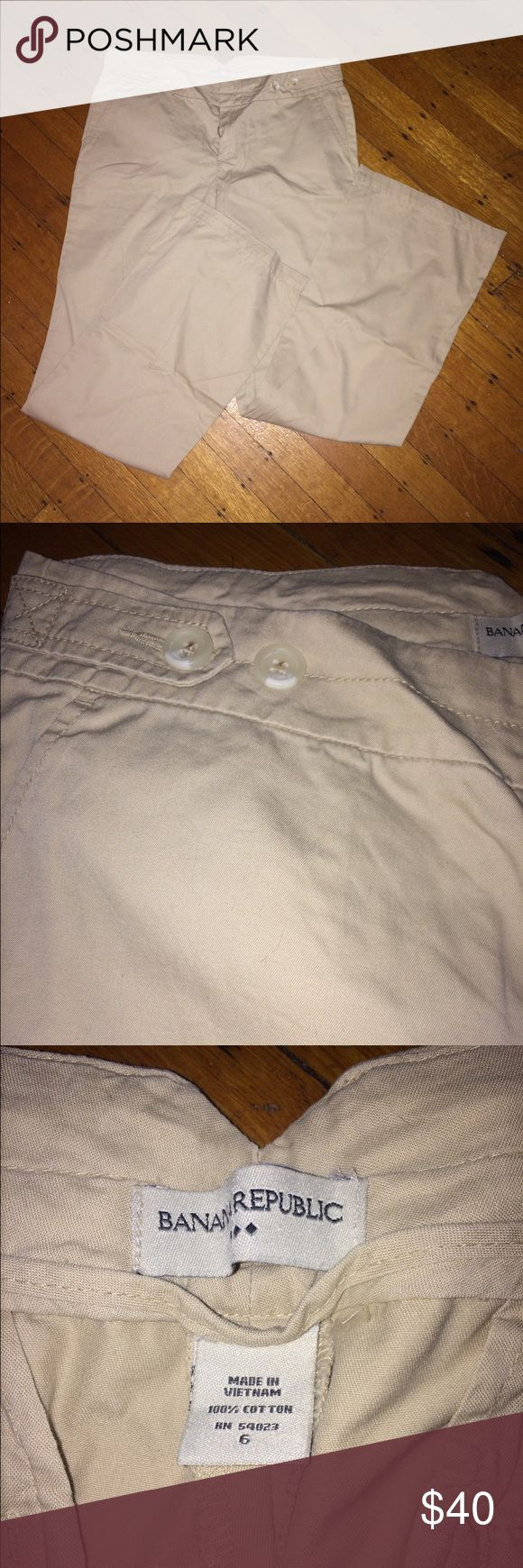 Banana Republic khaki pants Like new. Worn only a few times. Size 6 Banana Republic pants. Banana Republic Pants Trousers