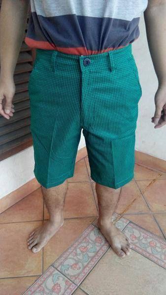 Celana Pendek Golf Pria