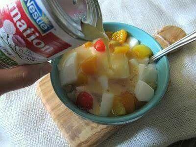 1970s Pudding UK: Carnation Milk and fruit salad