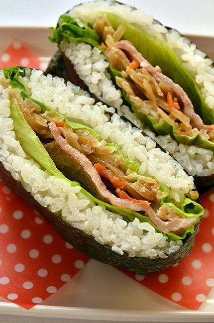お惣菜の残りを使った「きんぴら&豚肉のおにぎらず」レシピ | nanapi [ナナピ]