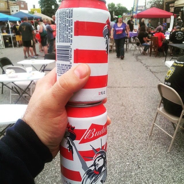 I'm at the Mardi Gras street festival in Mooresville, IN. I'm starting off two beers deep, enjoying the music, and about to grab some cajun food at Zydeco's! #mardigras #Indiana #Mooresville #cajun #creole #food #beer #America #Budweiser #bumwine #jambalaya #gumbo #jazz #music
