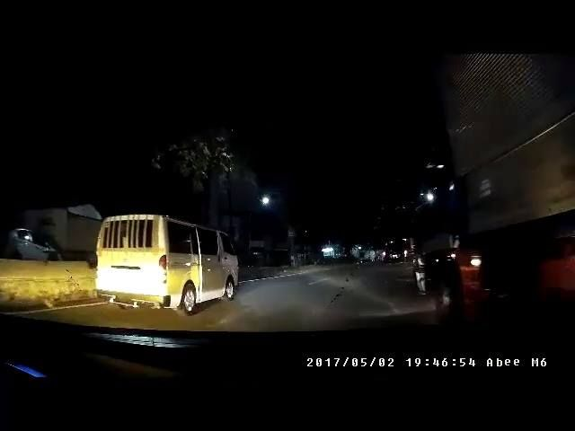 Accident caught on Abee Dashcam!  Here's a breakdown of what happened by Ronan Callueng  0:08 - White van emerges from the left. The driver had just left the police precinct because a bus rammed his vehicle (note the taped-up posterior). 0:12 - Van's passenger door opens and closes. Door warning on, perhaps? 0:18 - Van's rear door slides opens and closes. Door warning still on? 0:27 - The crash. Van driver just books another ticket to police precinct literally seconds after he left. 0:33…