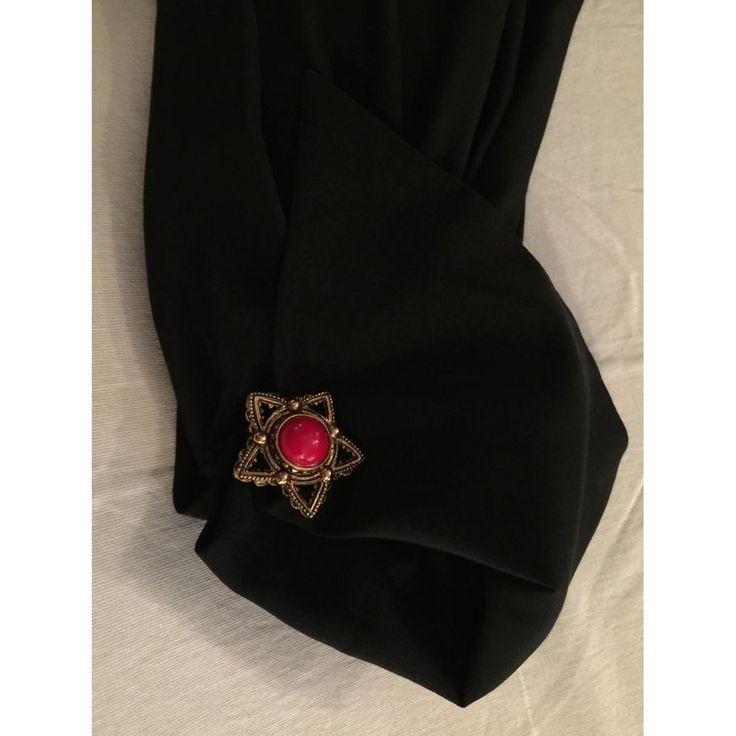 Meraviglioso abito Christian Dior vintage 100% seta ,doppio polsino con bottone gioiello,spacco laterale con voille