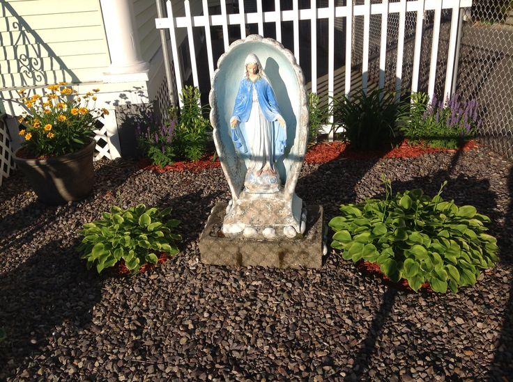 Beau Virgin Mary En Garden