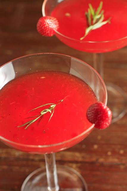 Strawberry tarragon gin smash: Strawberries Gin, Strawberrytarragon Gin, Chubby Vegetarian, Agaves Nectar, Amazing Cocktails, Strawberry Tarragon Gin, Gin Smash, Fresh Strawberries, Strawberries Tarragon Gin