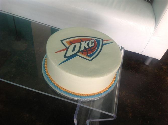 19 best Custom Cakes images on Pinterest Custom cakes