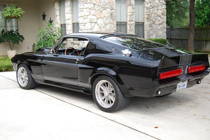 リチャードの1967フォードマスタングGT500スーパースネークElenaor