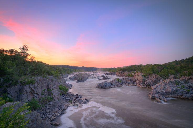 Sunset Over the Potomac [7941x5297][OC] - Great Falls Park Virginia NoVA_traveler http://ift.tt/2mpmSgG November 13 2017 at 07:03PMon reddit.com/r/ EarthPorn