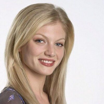 Cariba Hein was an actress that i really looked up to when i was younger because of her series on H20 just add water as Riki Chadwick. I also enjoyed watching her on dance academy as Isabelle. Cariba Hein has really inspired me to be an actress.