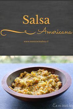 La salsa americana, receta chilena consiste de zanahoria, pepino y cebolla escabechada o hecha pickle. Un delicioso clásico para nuestros completos.