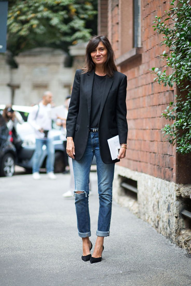 She's from Italy , enough said. Black jacket, soft t underneath , with a relaxed but refined denim look that's sure to be a crowd pleaser