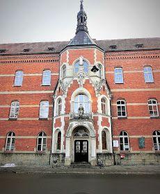Teodor Talowski był najwybitniejszym architektem Galicji. Tu mieszkał i tworzył na przełomie 19 i 20 wieku. Również pięknie malował; mógł zo...