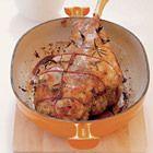 Gebraden lamsbout met veel knoflook - recept - okoko recepten