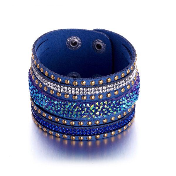 Bracelet Cristaux Blancs et Bleus de Swarovski Elements et Cuir Bleu  http://www.bluepearls.fr/fr/produits/bracelet-cristaux-blancs-et-bleus-de-swarovski-elements-et-cuir-bleu.4745.html