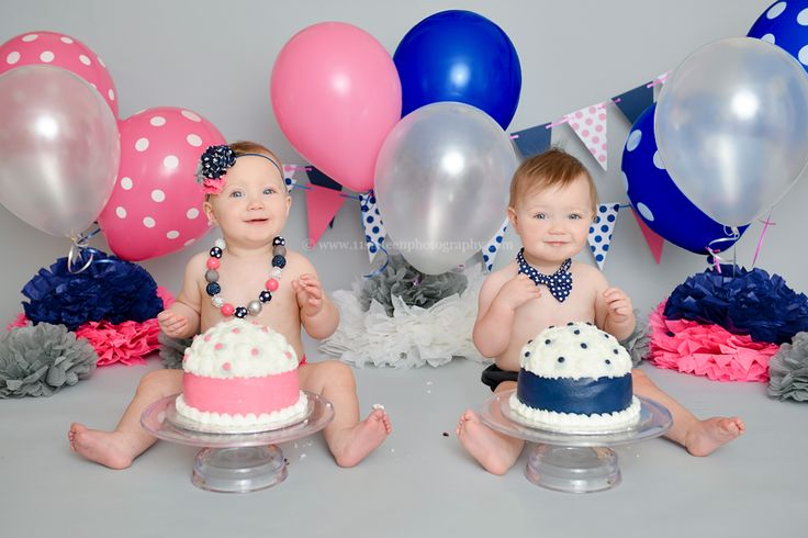 Blog   11 Sixteen Photography, twin cake smash, first birthday, blue pink and gray, two cakes, boy and girl, polka dots