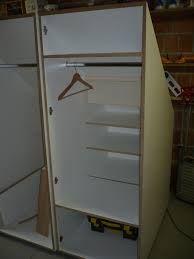 Afbeeldingsresultaat voor kasten maken op zolder onder een schuin dak