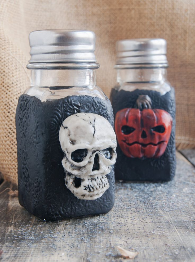 Set for spices decorated - Halloween - skull and pumpkin - ideas for HHalloween - gift ideas - spices - gift ideas - unusual gifts - SALE by WildDragoCraftShop on Etsy