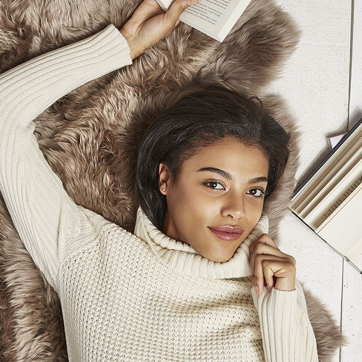 Stop. Drop. And relax. Gorgeous skin doesn't happen without rest and relaxation. #WinterSkin