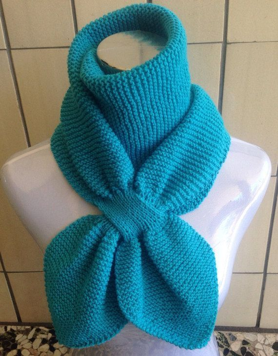 knitting pattern double loop keyhole scarf by