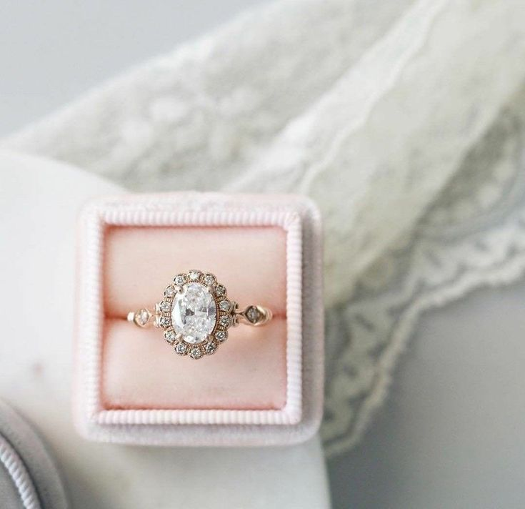Vintage engagement ring. #finestrings #engagementrings