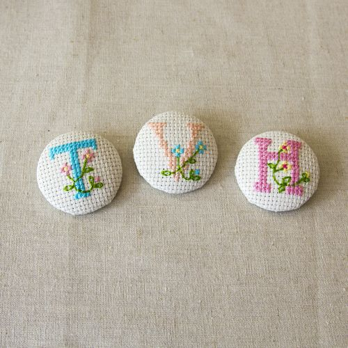 Cross stitch covered button tutorial - The Village Haberdashery