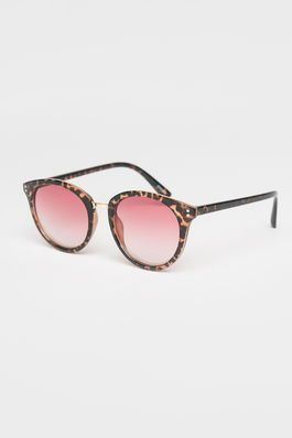 Love these retro pink-toned round sunglasses and so will she!