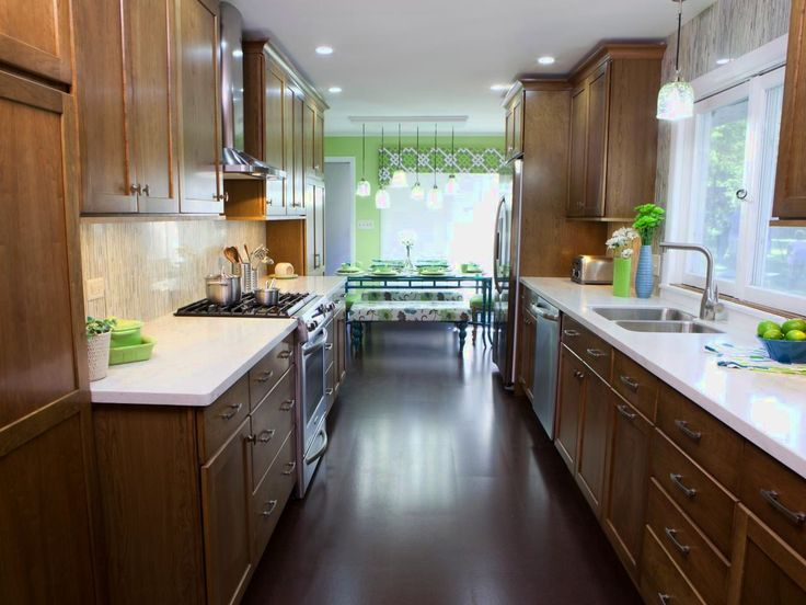 17 Best Ideas About Small Kitchen Designs On Pinterest: 25+ Best Ideas About Galley Kitchen Design On Pinterest