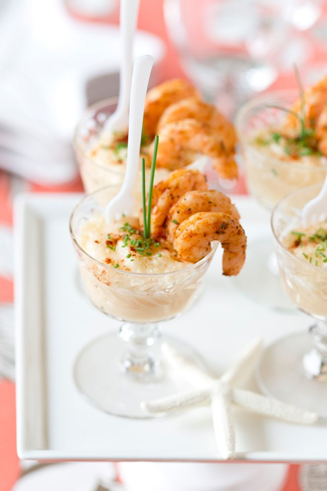 Add southern charm to your next gathering with these Individual Mini #Shrimp&Grits #Appetizers.