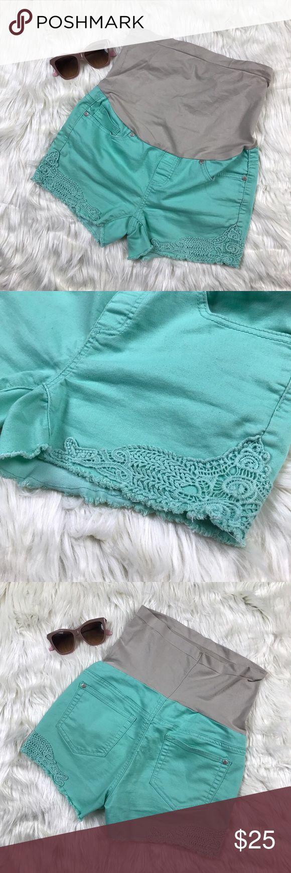 "Bella Vida Mint Green Maternity Shorts Lace Jeans Belly: 9.5"" Waist: 31"" Length: 9.5"" Rise: 6"" Bella Vida Shorts Jean Shorts"