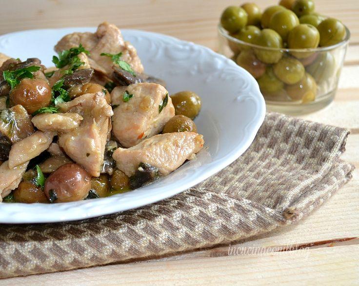 spezzatino di tacchino con olive e funghi