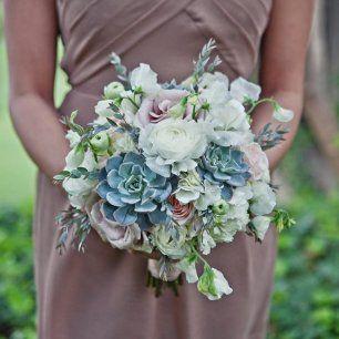 Букет подружек невесты из разных цветов