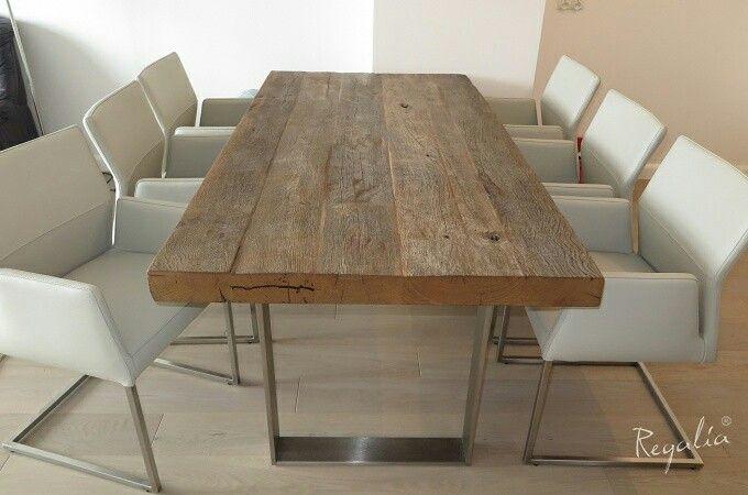Stół ze starego dębu, na około 350 lat.  Szary odcień blatu jest naturalnie stworzony przez wpływ czynników atmosferycznych.  #regaliapm #staredrewno #stół #drewno #oldwood #wooden #table  #pinterist www.regalia.eu