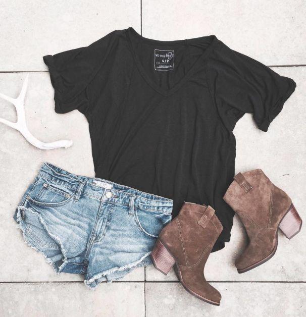 Black T Shirt Brown Boots