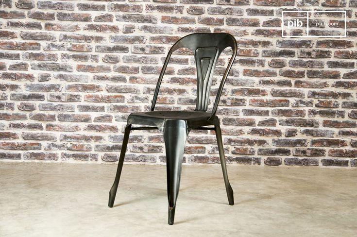 Scegli una sedia di metallo, leggera e robusta.