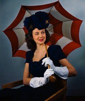 That umbrella! #vintage #1940s #fashion #accessories