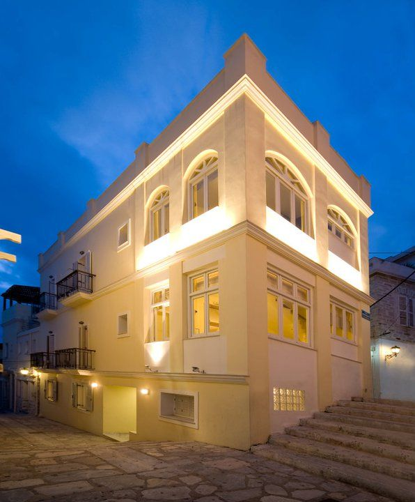 Esperance 2 Rooms #Ermoupoli #Syros #Cyclades #Greece #neoclassical http://www.rooms-2-let.com/3020/Esperance_2_