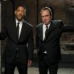 Still of Tommy Lee Jones and Will Smith in Men in Black 3