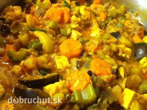 Fotorecept: Cuketa s baklažánom a tofu syrom na indický spôsob
