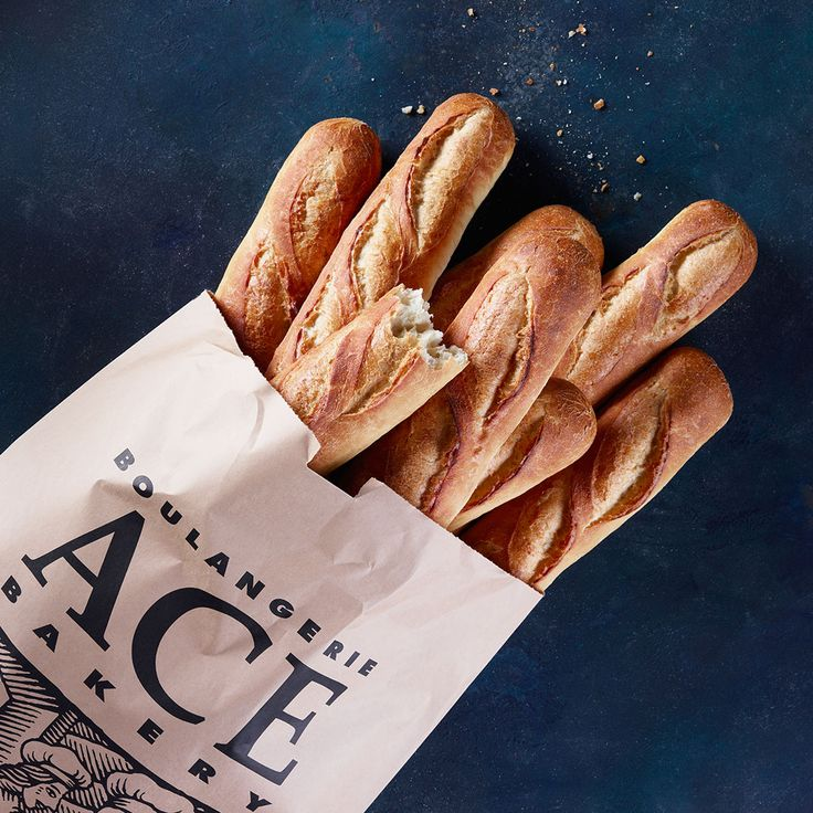 Old and faithful, our ACE White Baguette