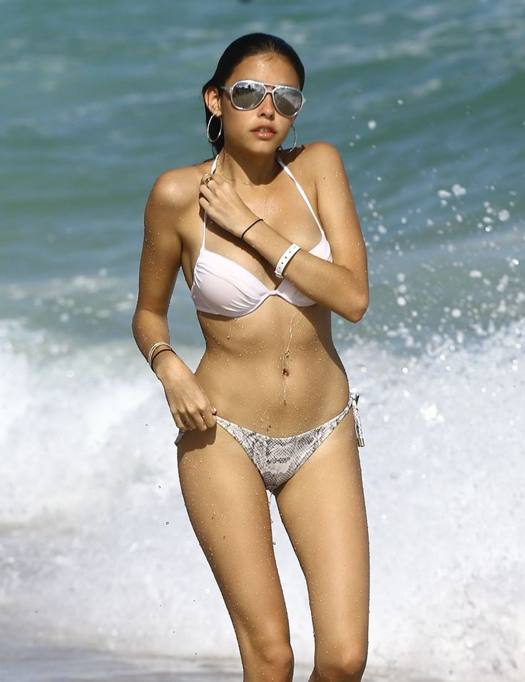 Madison Beer Wearing A Bikini At A Beach In Miami - Celebzz - Celebzz