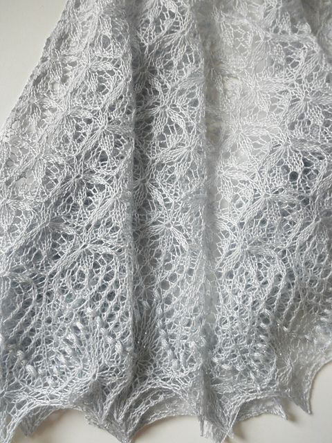 Echo Flower Shawl - used this pattern to make a shawl for Gillian's on her wedding day.