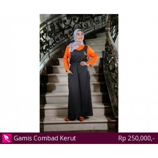 Gamis Combad Kerut  Bahan Combad 20S. Tersedia juga warna lain yaitu Biru Tua. Ukuran S M L & XL S: lingkar badan 90; pjg tangan 55; pjg badan 130.  M: lingkar badan 93; pjg tangan 555; pjg badan 132 L: lingkar badan 95; pjg tangan 56; pjg badan 135 XL: lingkar badan 98; pjg tangan 57; pjg badan 137  #hijab #me #hijabers #jilbab #selfie #Islam #fashion #hijabstyle #kerudung #hijabfashion #likeforlike #tudung #selfie #cantik #manis #hijablovers #Gamis #Busana #kemejacewek #Abaya #dress…