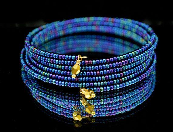 Bruce   Glass Bead Memory Wire Bracelet w/ Gold by DizzleDesigns