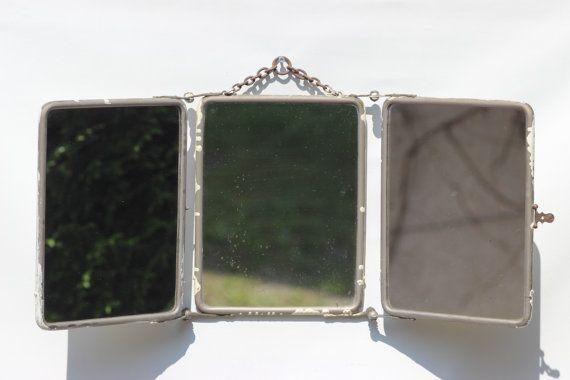 Shabby chic rustico francese d'epoca. Questo tipo di specchio è stato progettato per intraprendere viaggi nel tardo 19 °