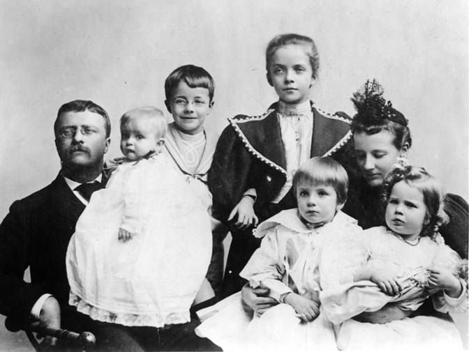 Theodore Roosevelt Family. Edith with TR, her stepdaughter, Alice and her first four children. Quentin was not yet born when this photo was taken in 1895. Theodore was in Washington as Civil Service Commissioner.