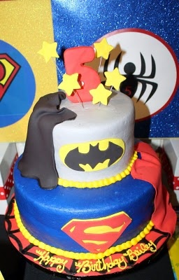 super hero party: Birthday Parties, Super Hero Parties, Super Hero Cakes, Parties Ideas, Superhero Cakes, Super Heroes Cakes, Batman Cakes, Birthday Ideas, Super Heroes Parties